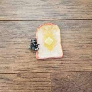 Hobonichi toast printed mini dish and metal bear